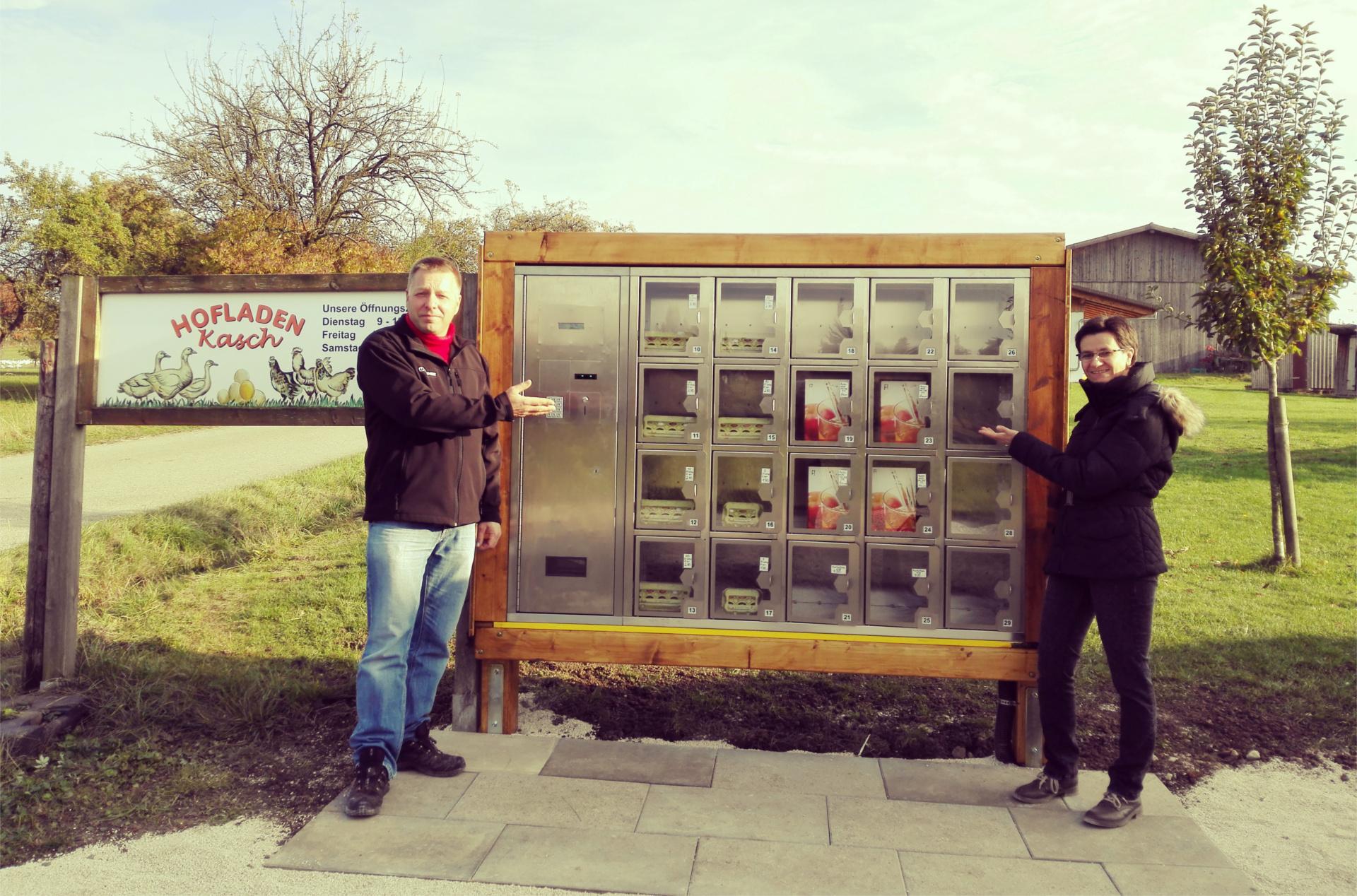 Verkaufsautomat Ohmenhäuser Straße mit Ingolf und Liane Kasch