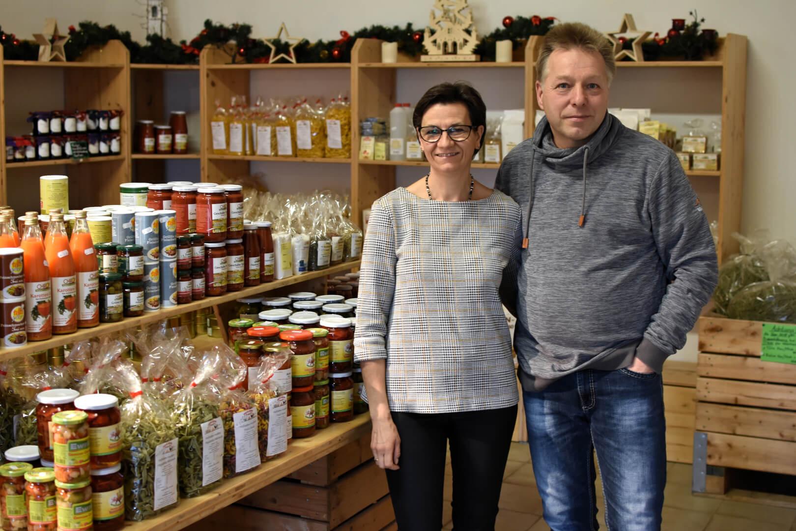 Ingolf und Liane Kasch im Hofladen
